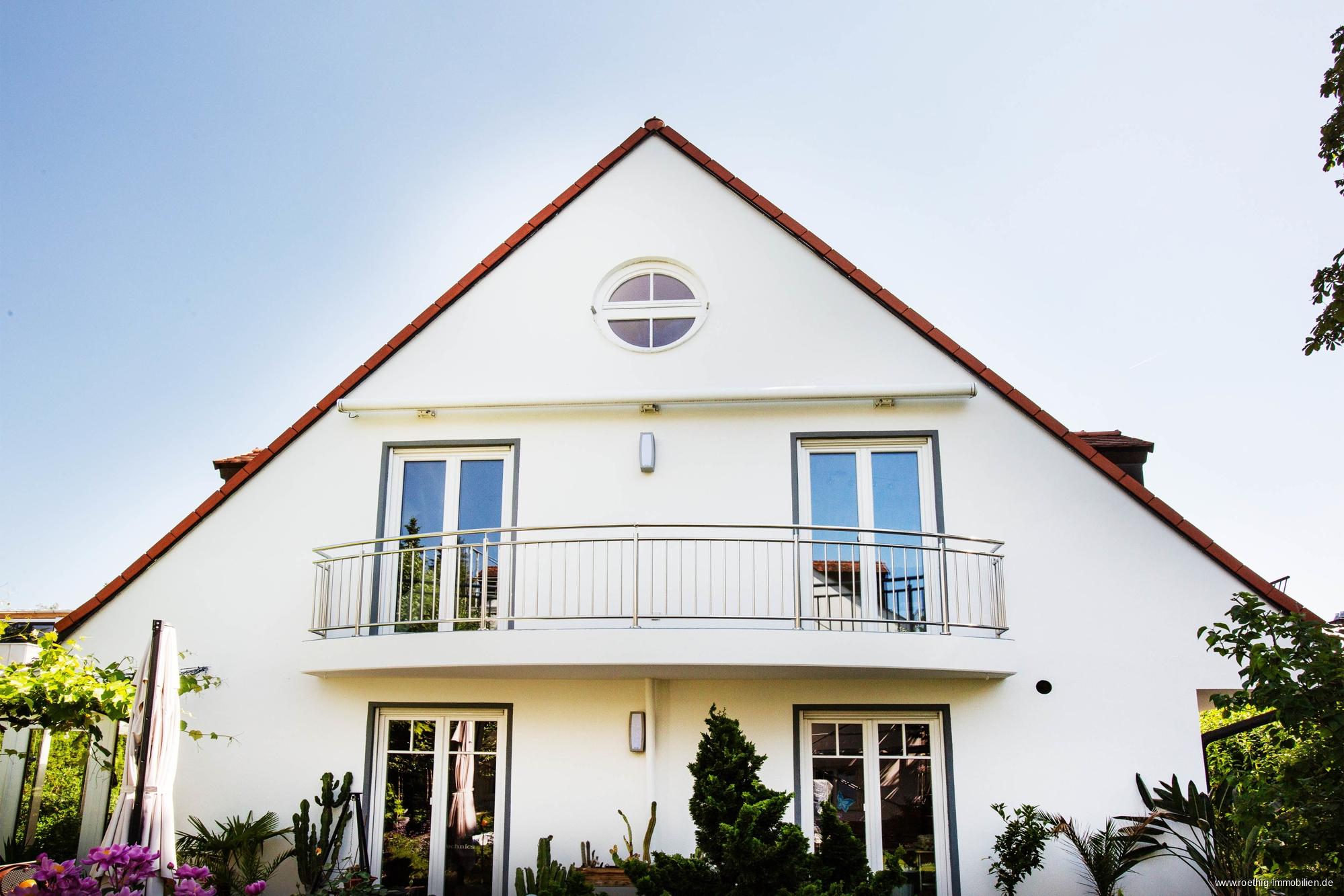 Familienwohntraum! 3-Zimmer-Maisonette-Dachgeschoss-Wohnung ...