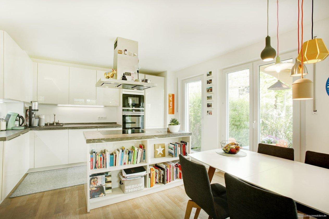 Fur Eigennutzer Traumhafte Moderne 3 Zimmer Gartenwohnung Grosszugiger Wohn Essbereich Offene Kuche Rothig Immobilien